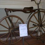 Dove è allestita una mostra di biciclette storiche
